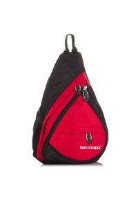 PAOLO PERUZZI - Plecak sportowy na jedno ramię czerwony Bag Street 4388. Kolor: czerwony. Materiał: materiał. Styl: sportowy, street