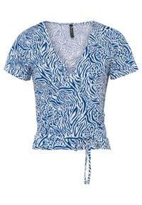 Shirt kopertowy LENZING™ ECOVERO™ bonprix lazurowy w paski zebry. Kolor: niebieski. Materiał: materiał. Długość rękawa: krótki rękaw. Długość: krótkie. Wzór: paski, motyw zwierzęcy
