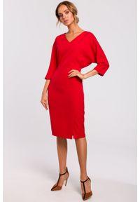 e-margeritka - Sukienka ołówkowa z kimonową górą czerwona - s. Okazja: do pracy, na imprezę. Kolor: czerwony. Materiał: tkanina, poliester, materiał, elastan. Typ sukienki: ołówkowe. Styl: klasyczny, elegancki