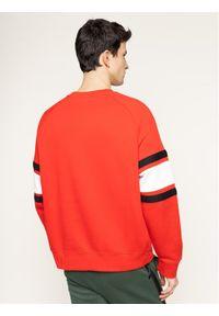 Nike Bluza Nsw Crew BV5156 Czerwony Loose Fit. Kolor: czerwony