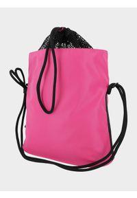 4f - Torba plażowa. Kolor: różowy. Wzór: gładki. Rodzaj torebki: na ramię