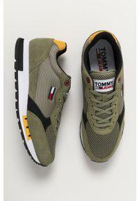 Zielone sneakersy Tommy Jeans na sznurówki, z cholewką