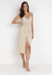 Born2be - Jasnobeżowa Sukienka Aigathise. Kolor: beżowy. Długość rękawa: na ramiączkach. Sezon: lato. Typ sukienki: asymetryczne, bodycon