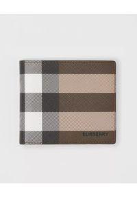 Burberry - BURBERRY - Portfel z kratę. Kolor: brązowy. Wzór: napisy