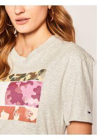 Tommy Jeans T-Shirt Camo Flag Tommy Tee DW0DW08051 Szary Regular Fit. Kolor: szary