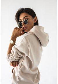 Marsala - Bluza z kapturem w kolorze WHITE SAND BASIC BY MARSALA. Okazja: na spacer. Typ kołnierza: kaptur. Kolekcja: moda ciążowa. Materiał: elastan, jeans, materiał, bawełna. Sezon: wiosna