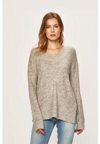 Vero Moda - Sweter. Kolor: szary. Materiał: dzianina. Wzór: gładki