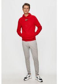 Czerwona bluza nierozpinana Tommy Sport z kapturem, casualowa, na co dzień, z aplikacjami