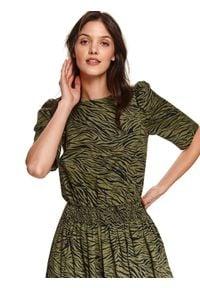 TOP SECRET - Sukienka w zwierzęcy nadruk. Kolor: beżowy. Materiał: tkanina. Wzór: motyw zwierzęcy, nadruk. Sezon: wiosna. Styl: elegancki