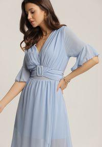 Renee - Niebieska Sukienka Nyxahria. Okazja: na wesele, na ślub cywilny, na imprezę. Typ kołnierza: dekolt w kształcie V. Kolor: niebieski. Długość: maxi