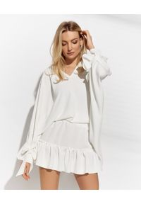 MARLU - Biała bluzka oversize z wiskozy. Kolor: biały. Materiał: wiskoza. Długość: długie. Sezon: lato. Styl: wakacyjny