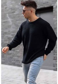 Czarny sweter IVET na jesień