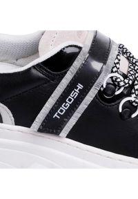 Togoshi - Sneakersy TOGOSHI - TG-22-04-000206 101. Okazja: na co dzień. Kolor: czarny. Materiał: skóra, zamsz. Sezon: lato. Styl: elegancki, sportowy, casual