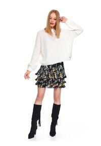 Biały sweter TOP SECRET w kolorowe wzory, na zimę, casualowy