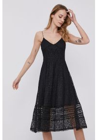 Czarna sukienka MAX&Co. mini, na ramiączkach, w koronkowe wzory, rozkloszowana