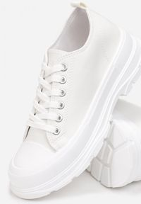 Born2be - Białe Trampki Adophia. Kolor: biały