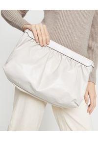ISABEL MARANT - Skórzana torebka do ręki. Kolor: beżowy. Materiał: skórzane. Styl: wizytowy, elegancki. Rodzaj torebki: do ręki