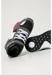 Szare buty sportowe Primigi z cholewką, na rzepy, trekkingowe