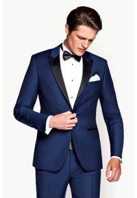 Lancerto - Marynarka Navy Smokingowa Lincoln. Okazja: na wesele, na ślub cywilny, na imprezę. Kolor: niebieski. Materiał: skóra, wełna, tkanina, lakier, poliester. Wzór: gładki. Styl: wizytowy, elegancki