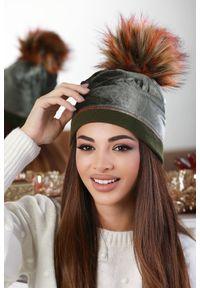 Zielona czapka IVET elegancka