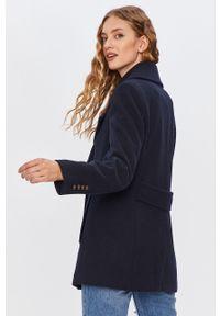 Niebieski płaszcz ANSWEAR z klasycznym kołnierzykiem, wakacyjny
