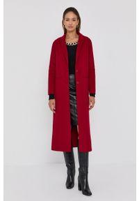 TwinSet - Twinset - Płaszcz. Okazja: na co dzień. Kolor: czerwony. Materiał: dzianina. Wzór: gładki. Styl: casual