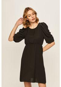 Czarna sukienka Haily's z krótkim rękawem, prosta, na co dzień