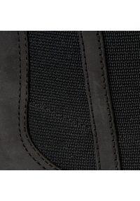 Czarne botki Clarks z cholewką, na spacer, na średnim obcasie, na obcasie