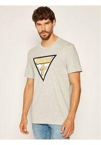 Guess T-Shirt Sticky Rn Ss Tee M0YI91 I3Z00 Szary Regular Fit. Kolor: szary