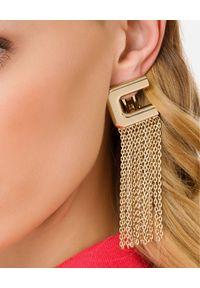 Elisabetta Franchi - ELISABETTA FRANCHI - Wiszące kolczyki z logo. Materiał: złote. Kolor: złoty