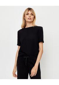 JENESEQUA - Bawełniany T-shirt z haftem. Kolor: czarny. Materiał: bawełna. Wzór: haft