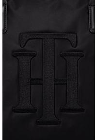TOMMY HILFIGER - Tommy Hilfiger - Torebka. Kolor: czarny. Rodzaj torebki: na ramię