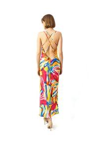 COSEL - Wzorzysta sukienka Anthos Coral. Okazja: na imprezę. Kolor: czerwony. Materiał: tkanina, jedwab, materiał. Długość rękawa: na ramiączkach. Wzór: aplikacja. Sezon: lato. Styl: wakacyjny. Długość: midi