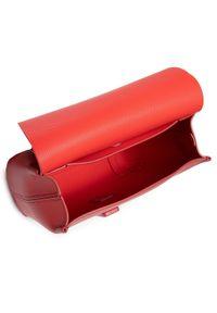 Lacoste - Torebka LACOSTE - S Crossover Bag NF3554LJ Cinabre 124. Kolor: czerwony. Wzór: aplikacja. Materiał: skórzane #4