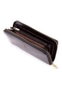 Wittchen - Damski portfel ze skóry na zamek. Kolor: czarny. Materiał: lakier, skóra. Wzór: aplikacja