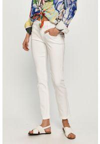 Białe jeansy Calvin Klein gładkie, z podwyższonym stanem