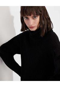 Armani Exchange - ARMANI EXCHANGE - Czarna sukienka mini z dzianiny. Typ kołnierza: golf. Kolor: czarny. Materiał: dzianina. Długość: mini