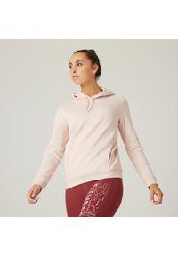 DOMYOS - Bluza z kapturem fitness damska Nyamba. Typ kołnierza: kaptur. Kolor: różowy. Materiał: bawełna, dzianina, włókno, materiał. Wzór: ze splotem. Sport: fitness