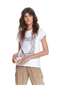 TOP SECRET - Luźny t-shirt z nadrukiem. Kolor: biały. Materiał: tkanina, bawełna. Długość rękawa: krótki rękaw. Długość: krótkie. Wzór: nadruk. Sezon: wiosna
