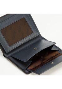 Wittchen - Męski portfel skórzany z rozcięciem. Kolor: wielokolorowy, niebieski, czarny. Materiał: skóra. Wzór: kolorowy