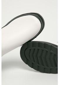 Białe kalosze Answear Lab z cholewką, z okrągłym noskiem, wakacyjne