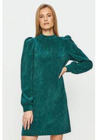 Zielona sukienka Noisy may mini, prosta, z długim rękawem