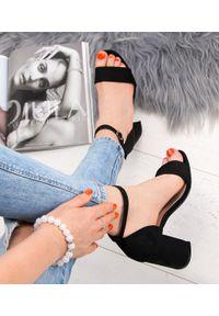 Czarne sandały na słupku SIXTH SENS na lato, eleganckie