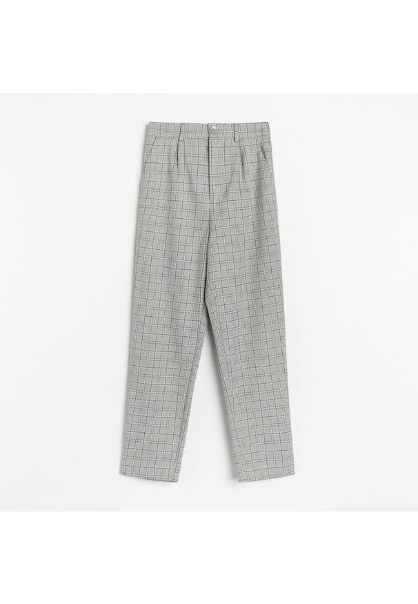 Reserved - Spodnie chino z gumką w pasie - Jasny szary. Kolor: szary