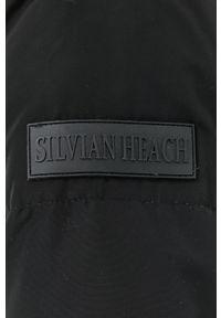 Silvian Heach - Kurtka puchowa. Typ kołnierza: kaptur. Kolor: czarny. Materiał: puch