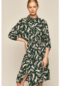 Zielona sukienka medicine casualowa, rozkloszowana, na co dzień, w grochy