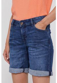 Mustang - Szorty jeansowe. Okazja: na co dzień. Kolor: niebieski. Materiał: jeans. Styl: casual