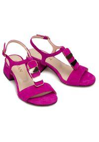 Fioletowe sandały sagan