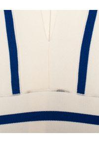 Balmain - BALMAIN - Sukienka w paski. Kolor: biały. Materiał: materiał. Wzór: paski. Typ sukienki: dopasowane. Styl: elegancki