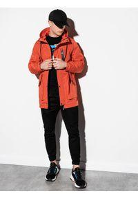 Czerwona kurtka Ombre Clothing z kapturem, elegancka